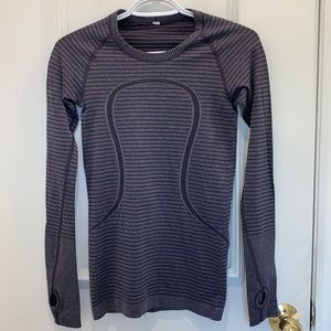 Lululemon Scuba Long Sleeve Top Size 4